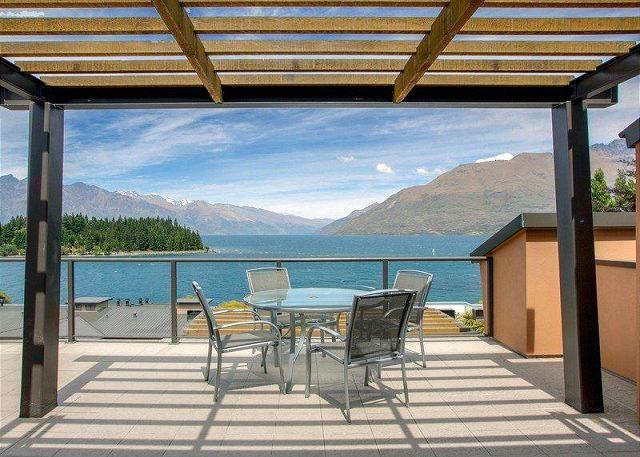 Peppers Waterfront Apartment 909 - Image 1 - Queenstown - rentals