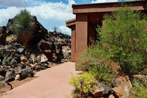 Front Of Home With 2 Car Attached Garage - Immaculate, Beautiful Entrada Home Gated Community - Saint George - rentals
