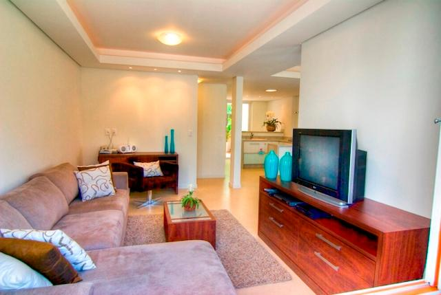 Living room - Praia Mole 4 bed / 4 bathTownhome Ideally Located! - Florianopolis - rentals