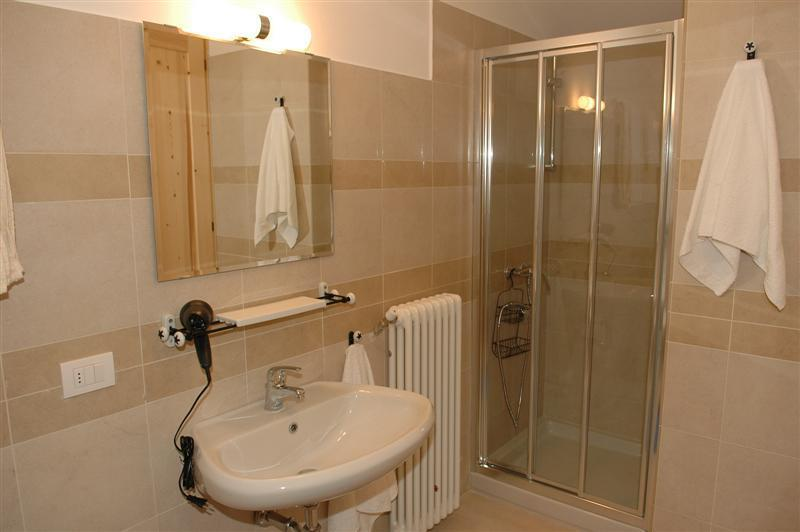Bathroom - Holiday rental Porlezza - Ground floor (sleeps 3) - Porlezza - rentals