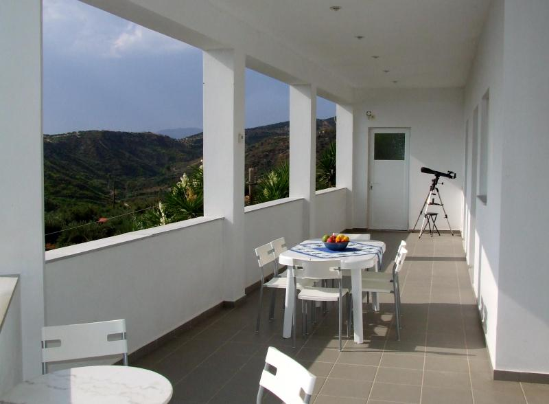 The sea facing veranda looking north - Villa House apartment with outstanding Views - Kakovatos - rentals