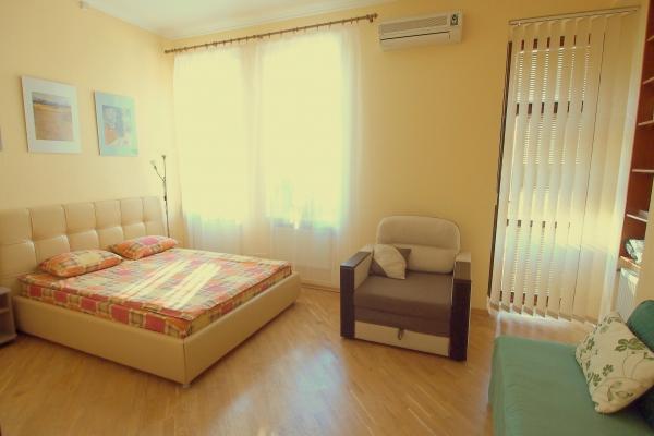 CR101KIEV - Creative Apartment for Two near St. Sophia Square - Image 1 - Kiev - rentals