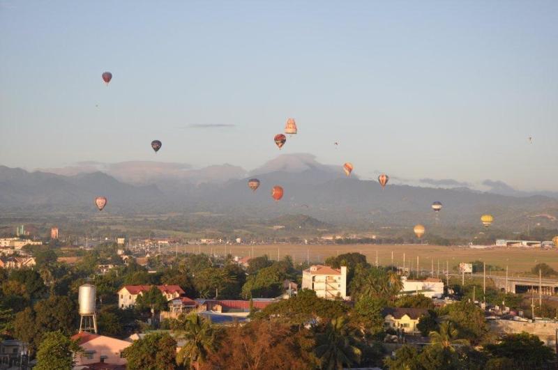 Balcony View - Studio Apartment with Panoramic views - Angeles - rentals
