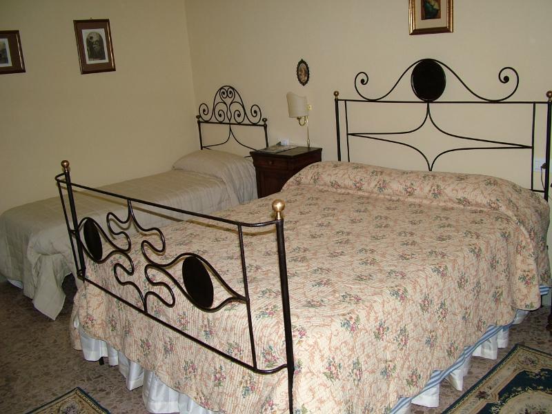 Il Roseto - Great 2 Bedroom Vacation Rental Near Duomo - Pistoia - rentals