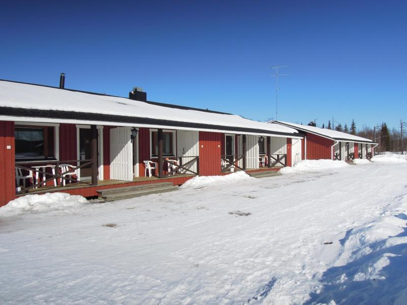 Terraced house (outside, winter time) - Room in a terraced house (for 1, 2 or 3 persons) - Ivalo - rentals