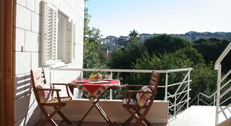 Floral magic of Dubrovnik  terrace/parking - Image 1 - Dubrovnik - rentals