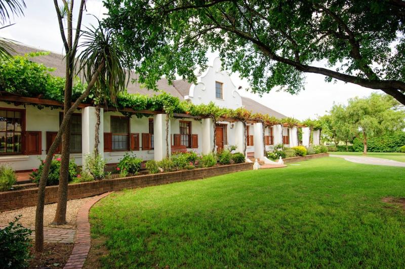 Beausoleil - main building - Beausoleil - cosy accommodation for a couple - Bonnievale - rentals