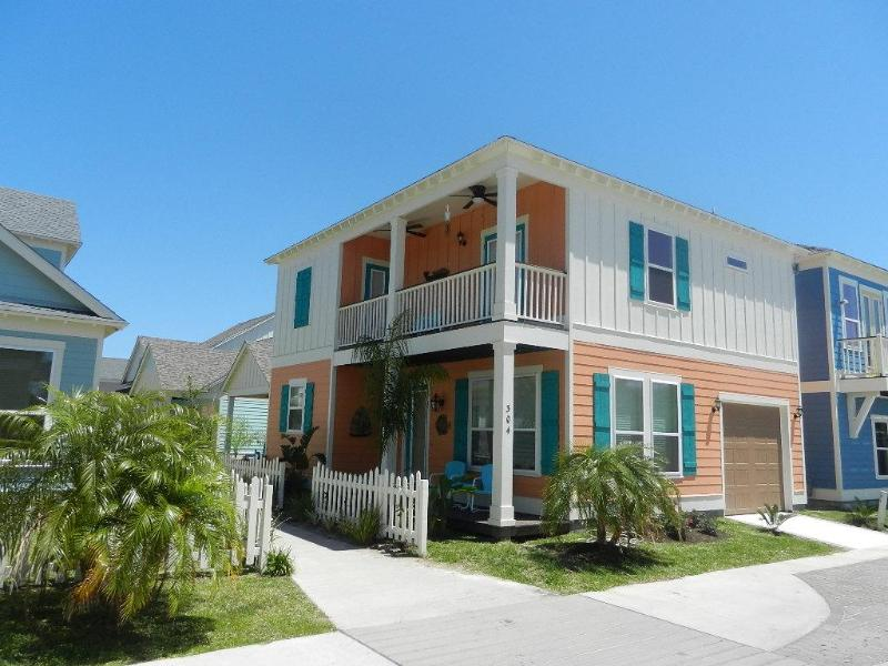 Coral Harbor - Beautiful new home in Sailhouse with pool and bay views! - Rockport - rentals