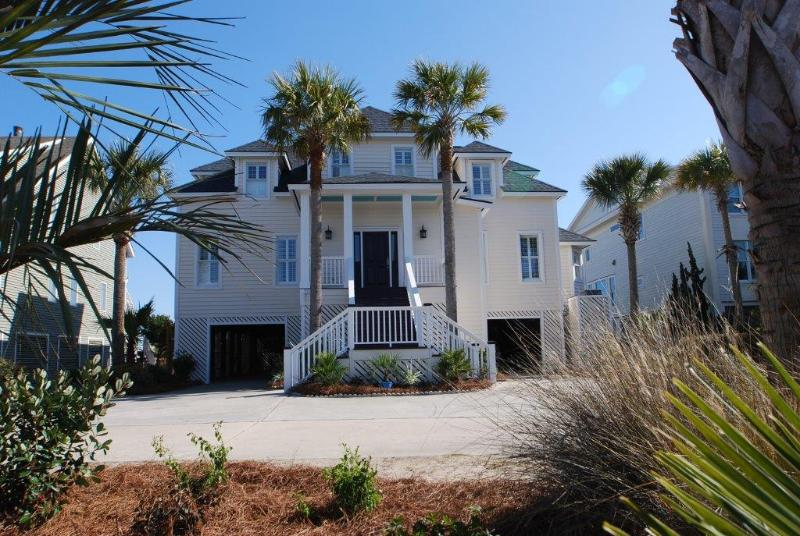 Front Exterior - Oceanfront, 7bd, Huge Pool/Spa! Great Family Home! - Isle of Palms - rentals