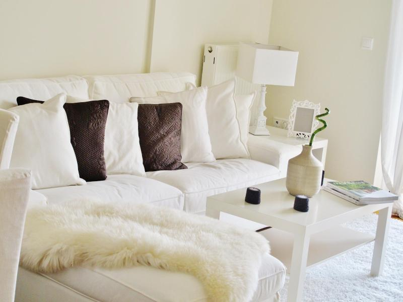 Living room - Studio at Marousi, Kosma Aitolou - Athens - rentals