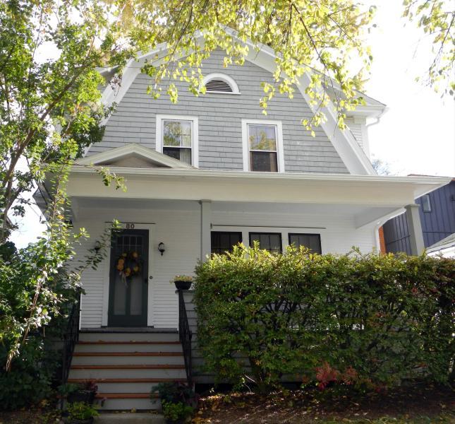 Classic, Comfortable, in Downtown Burlington - Image 1 - Burlington - rentals