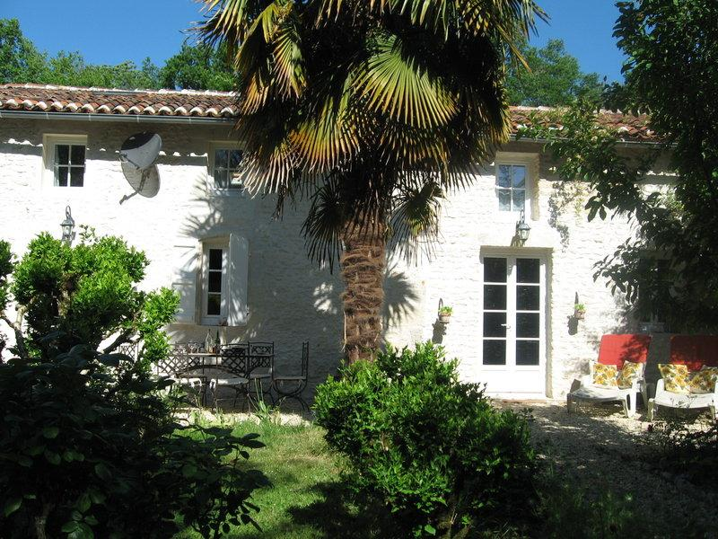 Gite du Calme B&B near Cognac SW fRance - Gite du Calme B&B near Cognac SW France - Cherac - rentals