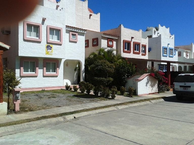 Beach front community - MAZATLAN  BEACHFRONT COMMUNITY  HOUSE & CONDOS - Mazatlan - rentals