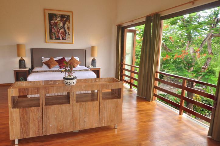 Master bedroom - Bali Villa Close to Beach, Shops & Restaurants - Kerobokan - rentals