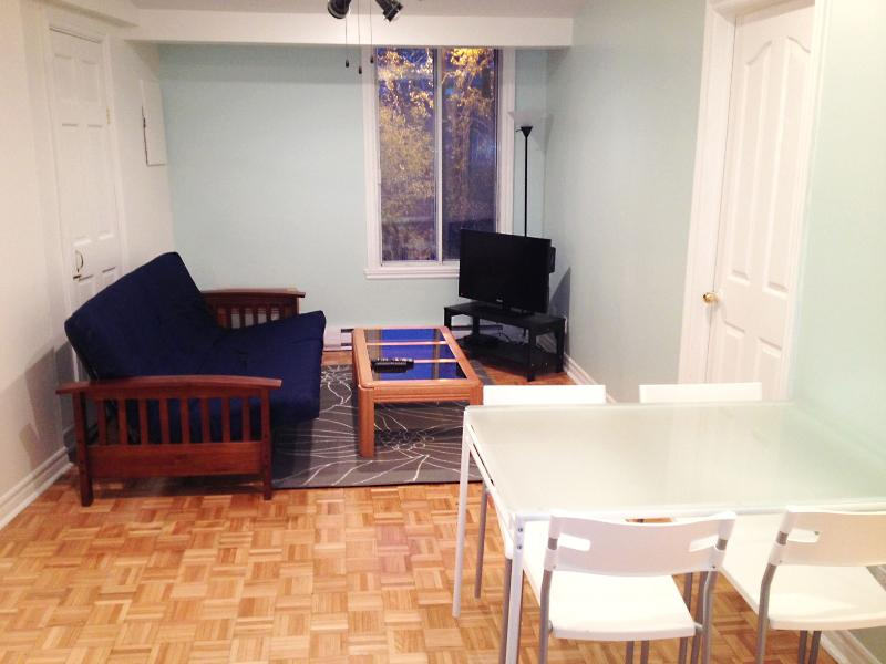 Freesia Flat - 2 Beds, 1 Bath - Image 1 - Montreal - rentals
