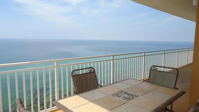 2 King beds with HUGE wrap around balcony! 1707W - Image 1 - Panama City Beach - rentals