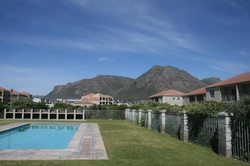 A view from inside the complex - Elegant Apartment, Muizenberg - 5mins to the beach - Cape Town - rentals