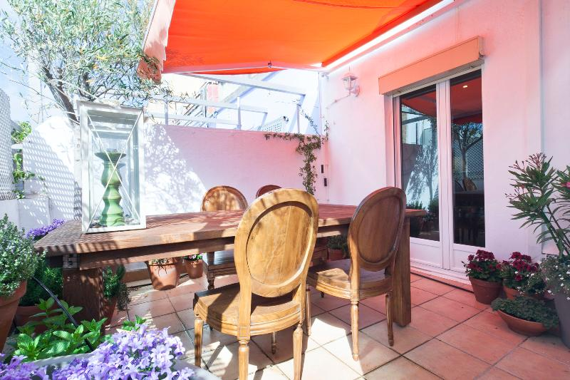 Apartment Atico de dos Olivos Barcelona - Image 1 - Barcelona - rentals