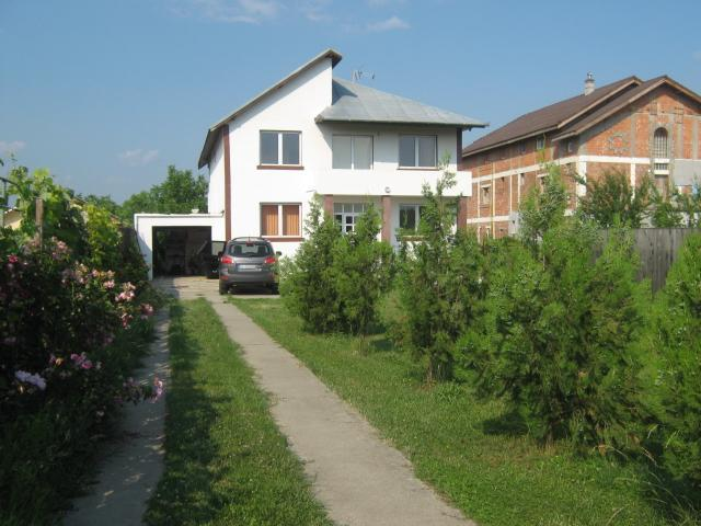 front yard - Villa - 20km from Bucharest  center - Buftea - rentals