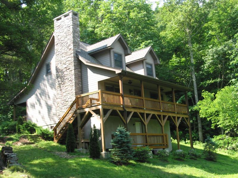 Cozy Mountain Retreat - Private Mountain Cabin Getaway with covered decks - Blowing Rock - rentals