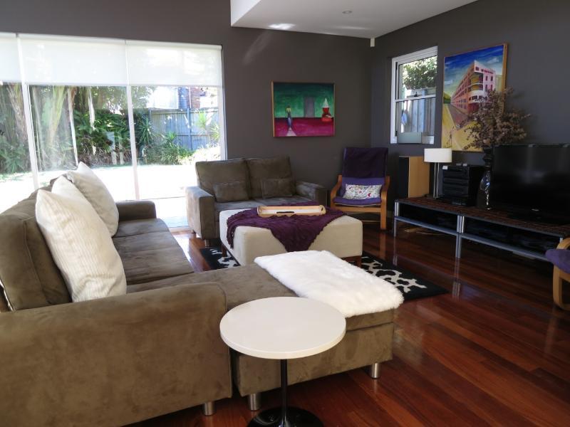 Large, gorgeous designer home..... - Image 1 - Sydney - rentals
