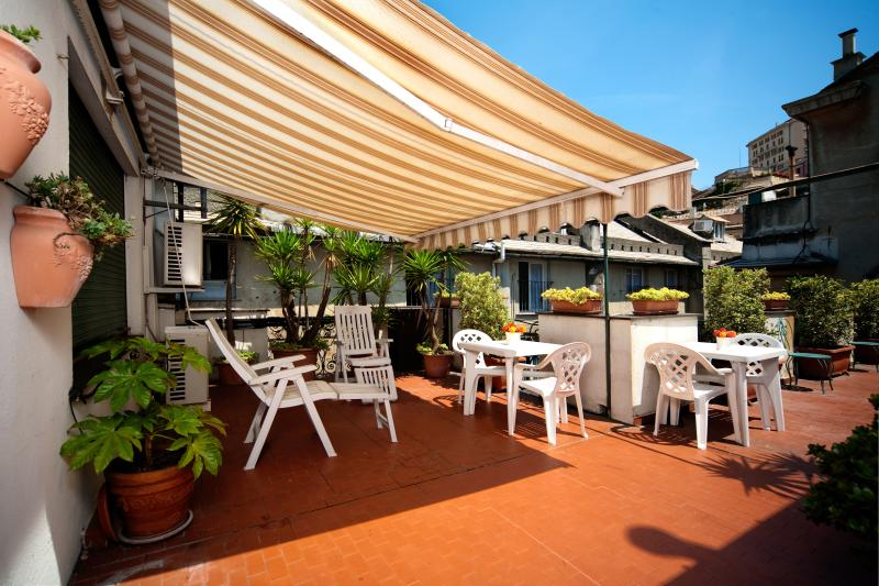 public terrace - All mod cons Family apartment - Genoa - rentals