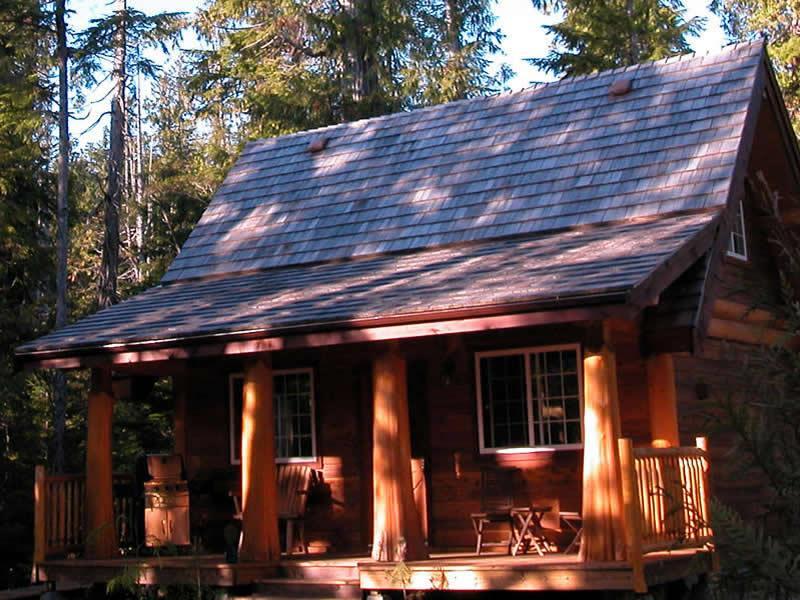 Halfmoon Cottage ~ Private Hot Tub - Image 1 - Ucluelet - rentals