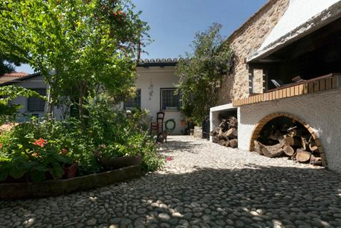 To Spitaki: Guesthouse  By the Garden - Image 1 - Galaxidi - rentals