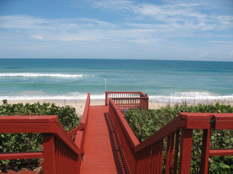 GOLDEN SANDS® RUBY - Luxury Beachfront 4800 sqft - Image 1 - Sebastian - rentals