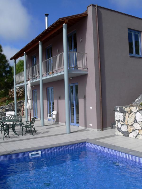 House, terrace, pool - Villa Buena Vista, canary Island La Palma, spain - Tijarafe - rentals