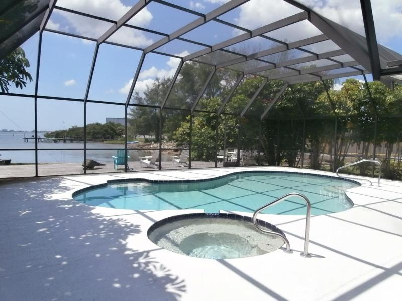 Pool and Jacuzzi - Gulfport Waterfront Mid-Century Modern Masterpiece - Gulfport - rentals