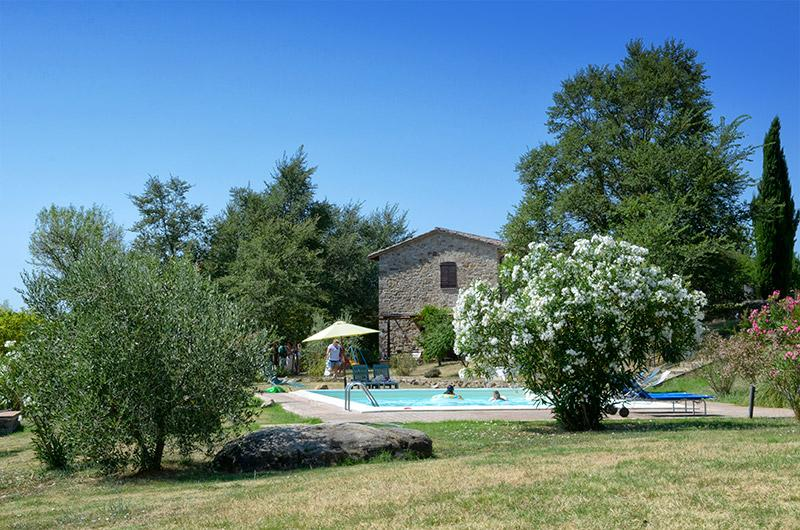 Pool and the garden - Family friendly holiday house with pool - apt3 - San Venanzo - rentals