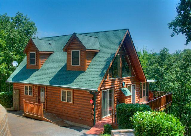 Spacious Mountainside Lodge That Everyone Will Love! - Image 1 - Sevierville - rentals