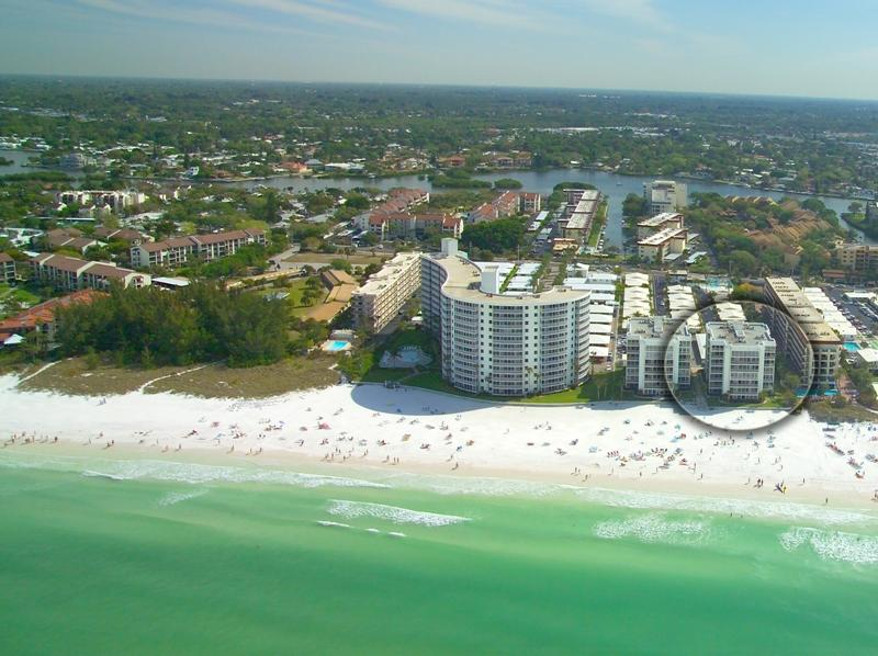 Crescent Arms Condo - Directly on World Famous Crescent Beach - Siesta Key @ Crescent Beach-2BR-Beachfront Complex - Siesta Key - rentals