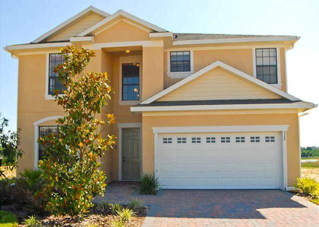 Front View - VILLA PICASSA: 5 Bedroom home with 3 Master Suites - Davenport - rentals