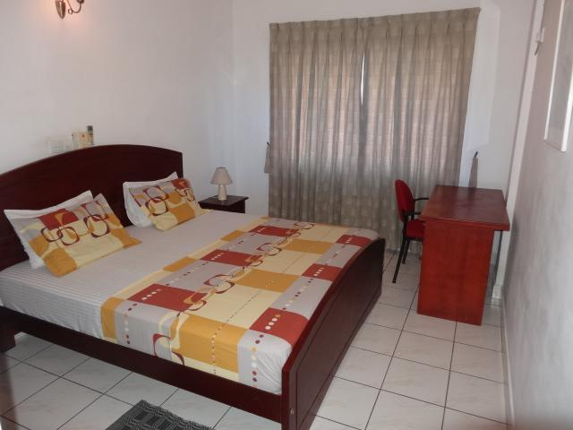 Master Bed Room - 10th floor apartment with Colombo city view - Colombo - rentals