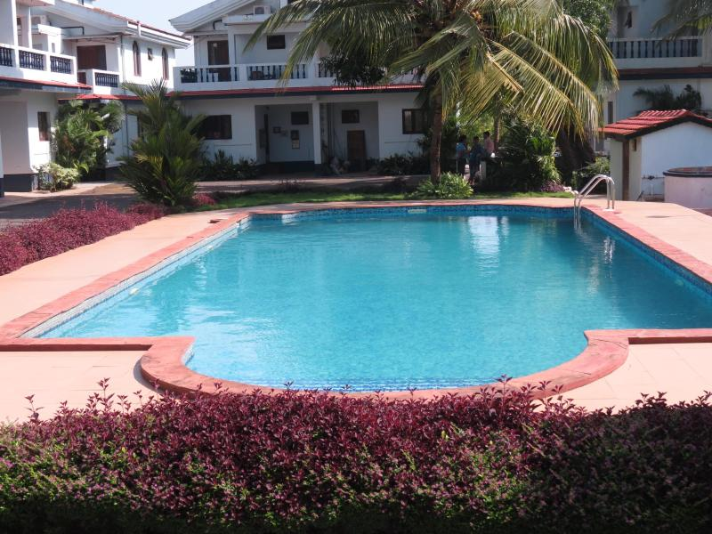 SWIMMING POOL - 10) Spacious A/C Villa, Arpora Sleeps 4 & Wi-Fi - Arpora - rentals