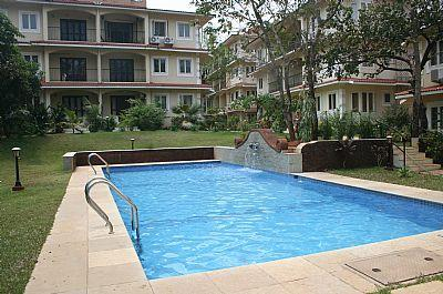 1st Swimming Pool - 08) Quiet Ground Floor Apartment Siolim Sleeps 2/4 - Siolim - rentals