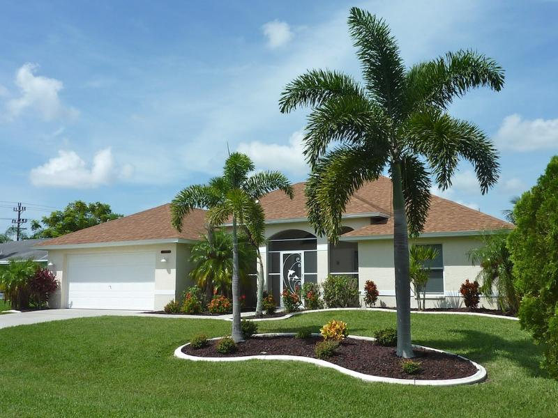 Front view - Villa Florence 3/2 pool home in SW Cape Coral - Cape Coral - rentals