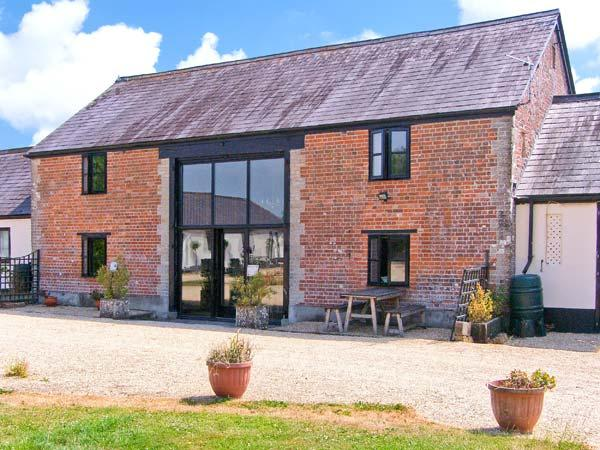 THE BARN, Victorian barn conversion, character features, en-suite bedrooms, dog-friendly, near Shaftesbury, Ref. 26856 - Image 1 - Shaftesbury - rentals