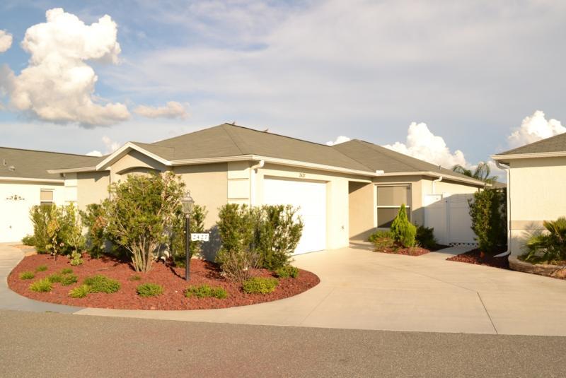 The Villages Florida 2/2 Courtyard Villa FURNISHED - Image 1 - The Villages - rentals