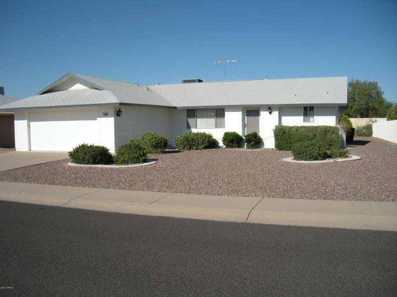 Front of House - Winter in Phoenix - Sun City West - rentals