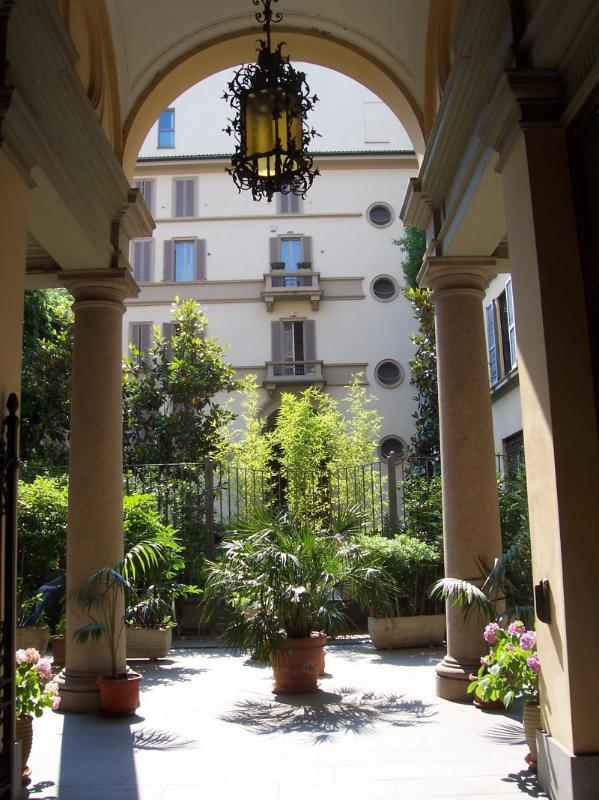 Entrance Patio - LUXURY APARMENT  CENTER OF MILAN. GREAT LOCATION - Italy - rentals