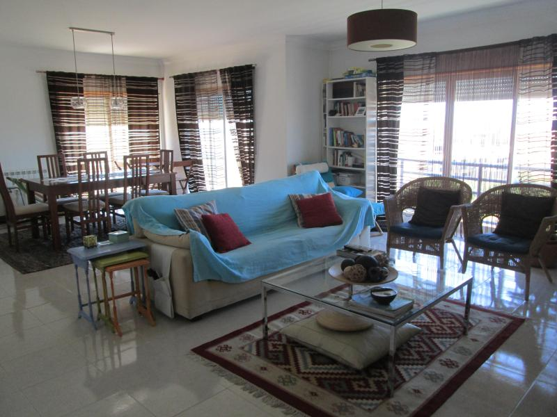 Beach house in the village of Ericeira - sea view - Image 1 - Ericeira - rentals