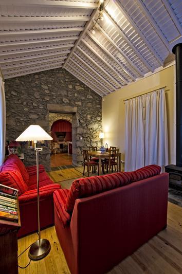 Casa da Fonte, living room - Tradicampo - Casa Da Fonte, Sao Miguel, Azores - São Miguel - rentals
