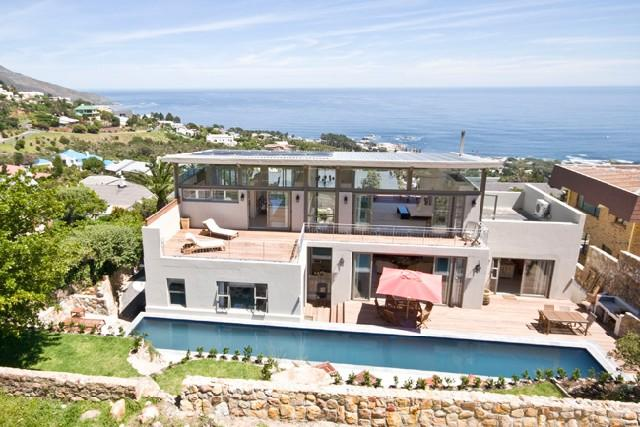 The Twelves Apostles as a backdrop & sea views - Image 1 - Camps Bay - rentals