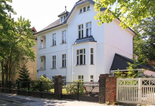 LLAG Luxury Vacation Apartment in Berlin-Dahlem - bright, quiet, natural (# 4244) #4244 - LLAG Luxury Vacation Apartment in Berlin-Dahlem - bright, quiet, natural (# 4244) - Berlin - rentals