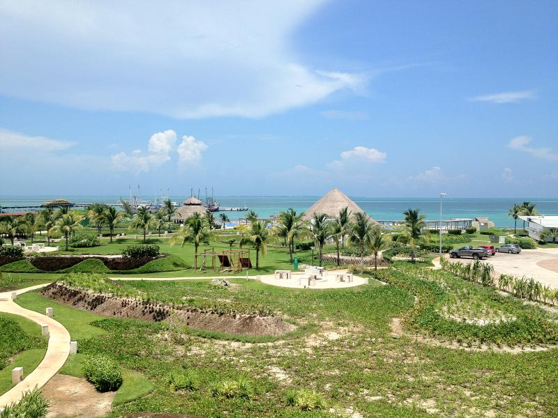 View from balcony - Beachfront Apt in Cancun - Cancun - rentals