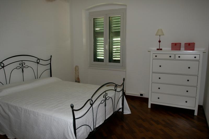 bedroom 1 - LAVAGNA 4 -FIESCHI APARTMENT  FORTH FLOOR - Lavagna - rentals