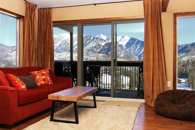 Ski In Ski Out! Dream Views of mountains on both levels. - Year-Round Dream Views on 2 levels! Ski in Ski Out - Durango - rentals